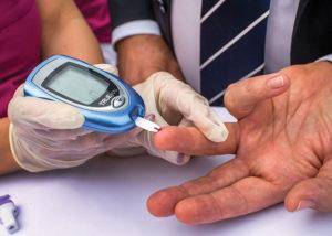Si se diagnostica una diabetes, lo más importante es que el paciente sepa cómo manejarla día a día.
