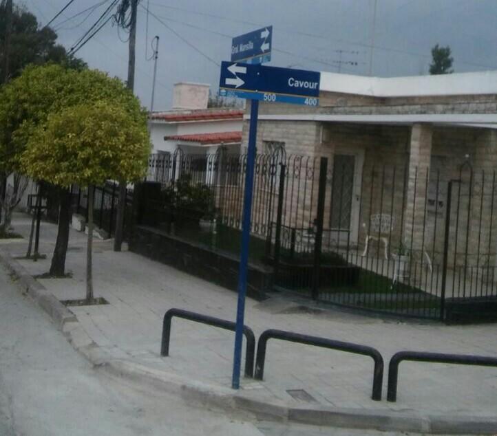 Continúa el plan de colocación de nomencladores en barrios de la ciudad