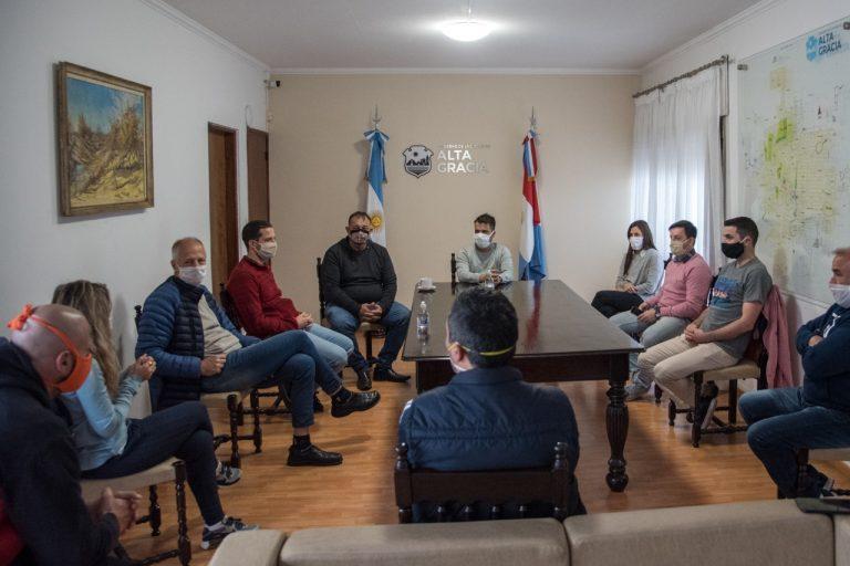El Intendente se reunio con representantes de los gimnasios