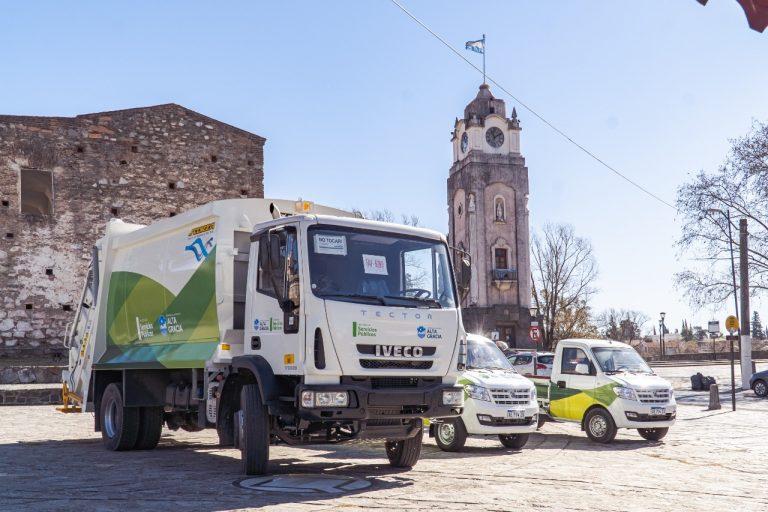 Nuevos vehículos se suman a la flota municipal