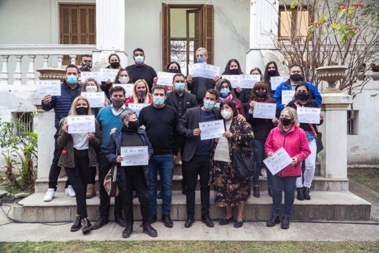 Entrega de reconocimientos a voluntarios/as del programa de Red de Apoyo Escolar