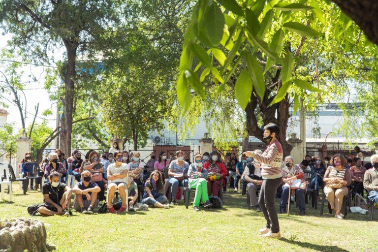 MAS DE 200 PARTICIPANTES EN EL TALLER DE HUERTA FAMILIAR